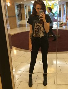 Acacia brinleys outfit is on point I want her closet Acacia Brinley, Grunge Outfits, Grunge Fashion, Glam Rock, Soft Grunge, Black Outfit Edgy, Yeezus Shirt, Alternative Rock, Estilo Grunge
