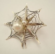 SPIDER On A Spider Web Figural Filigree Pin With Faux Pearls