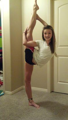 needle Gymnastics Flexibility, Yoga For Flexibility, Cheer Athletics, Cheerleading, Flexible Girls, All Star Cheer, Cheer Dance, Artistic Gymnastics, Ballet