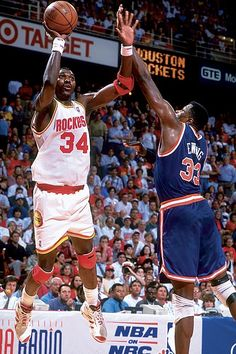 3be0702964a Star centers Hakeem Olajuwon of the Rockets and Patrick Ewing of the Knicks  duked it out in 1994 in a series that went seven games.