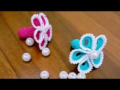 Making Carnation Lace Pattern (writing scarf or necklace) ornament - Schmuck Creative Embroidery, Hand Embroidery Designs, Baby Knitting Patterns, Crochet Patterns, Knitted Flowers, Kurti Designs Party Wear, Crochet Videos, Carnations, Flower Patterns
