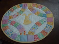 Wedding ring Easter table runner in 30s reproduction fabrics
