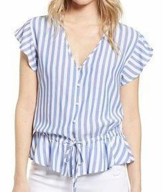 Blusa con volantes en la sisa y cintura Blouse Patterns, Blouse Designs, Summer Blouses, Beautiful Blouses, Blouse Styles, Shirt Blouses, Love Fashion, Clothes For Women, Outfits
