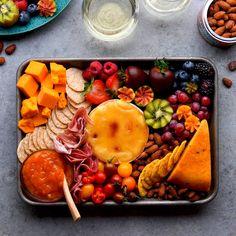 Date-Night-In Board Yummy Appetizers, Appetizer Recipes, Appetizer Ideas, Honey Roasted Almonds, Banana Snacks, Charcuterie Board, Charcuterie Ideas, Salty Snacks, Mushroom Recipes