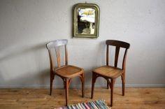 Paires de chaises années 40 style bistrot hêtre massif teinte fruitier art déco