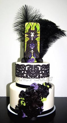 Could this be done with ursula? Girly Cakes, Fancy Cakes, Birthday Cake Girls, Birthday Cakes, 50 Birthday, Beautiful Cakes, Amazing Cakes, Maleficent Cake, Dream Cake
