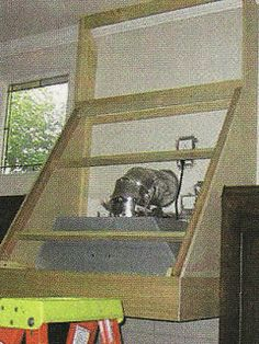 DIY - How to build a range hood. Remodelando la Casa: How to build a Range Hood and install the liner and fan mechanism. Kitchen Vent Hood, Kitchen Stove, Kitchen Cabinetry, Kitchen Redo, Kitchen And Bath, Kitchen Remodel, Kitchen Ideas, Kitchen Range Hoods, Kitchen Board