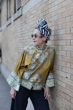 Basically, if you are an awesome, over-the-top, stylish older woman, wearing a turban or headwear of any kind- I (more. Mature Fashion, Fashion Over 50, Style And Grace, Style Me, Soul Clothing, Turbans, Advanced Style, Looks Cool, Mode Inspiration