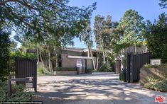 Couple's retreat: Fonda bought the place with then-boyfriend music producer Richard Perry