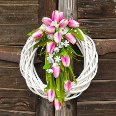 Veniec s ružovými tulipánmi / Hydrangea - SAShE. Easter Wreaths, Christmas Wreaths, Spring Front Door Wreaths, Church Flowers, Floral Garland, Diwali Decorations, Art Floral, Summer Wreath, How To Make Wreaths