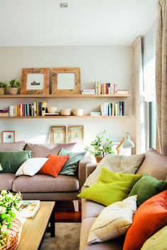 Green Living Room Ideas And Sophisticated Spaces - Interior Design Ideas & Home Decorating Inspiration - moercar - Living Room Designs - Small Space Living Room, Colourful Living Room, Living Room Shelves, Living Room Green, Cozy Living Rooms, Living Room Decor, Small Rooms, Small Living, Neutral Living Rooms