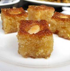 Basbousa (bolo de semolina árabe)