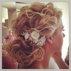 Beautiful wedding hairstyle CarrieFernowHair.com