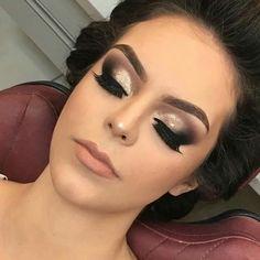 Brauthaar- und Make-up-Modelle Ankara www.basakkuaforma - make up modelle Smokey Eye Makeup Look, Glam Makeup Look, Sexy Makeup, Prom Makeup, Love Makeup, Bridal Makeup, Beauty Makeup, Makeup Goals, Makeup Tips