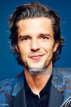 Musician Brandon Flowers of The Killers poses for a portraits at the iHeartradio Music Festival on insta_rave Beautiful Men, Beautiful Flowers, Beautiful People, Flower Girl Basket, My Flower, Rave Quotes, Flower Girl Photos, The Killers, Brandon Flowers