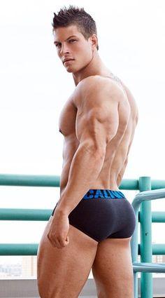 Mondo di Musica: ModelSpotting: STEFAN GATT | American actor, model, fitness trainer