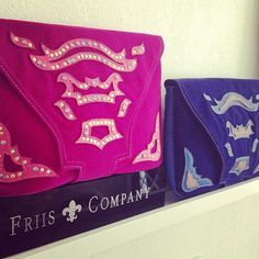 We are so in love with these pretty clutches<3