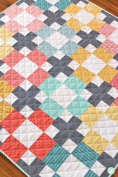 Hopscotch Quilt from the book Modern Quilts Block by Block. Made by Aqua Paisley… Hopscotch Quilt from the book Modern Cute Quilts, Scrappy Quilts, Easy Quilts, Modern Quilting Designs, Modern Quilt Patterns, Afghan Patterns, Quilting Patterns, Jellyroll Quilt Patterns, Block Patterns