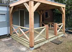 Met ons Lariks Douglas hout kun je zelf een overkapping of veranda op maat bouwen. Wij hebben een schitterend assortiment timmerhout van zowel onbehandelde planken en balken tot robuuste 9x9 tot 20x20 cm dikte palen met die fraaie geel/rood kleur. Shed, Outdoor Structures, Barns, Sheds