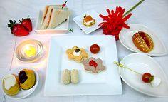 #BRUNCH 9 piezas saladas y 2 dulces 14,5€ por persona http://celebrandoencasa.com/servicios/catering/selection.html