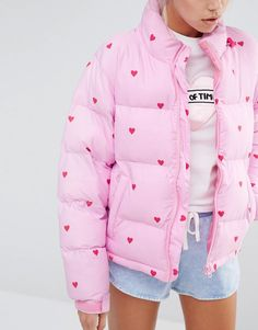 Lazy Oaf Short Padded Jacket With All Over Heart Print                                                                                                                                                     Mais