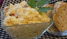 Celerová pomazánka se sýrem a sušenými rajčaty Mashed Potatoes, Ethnic Recipes, Food, Whipped Potatoes, Smash Potatoes, Essen, Meals, Yemek, Eten