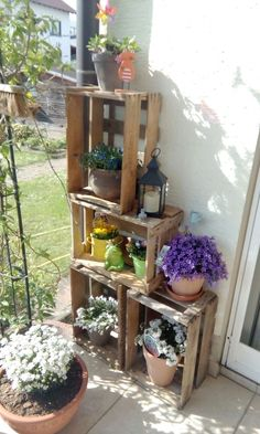 , Garden Garden apartment Garden ideas Garden small You are in the right place about Balcony Garden containers Here we offer you the most beautiful pictures about t Small Backyard Gardens, Back Gardens, Small Gardens, Rustic Landscaping, Front Yard Landscaping, Apartment Balcony Garden, Patio Plants, Stage Decorations, Porch Decorating