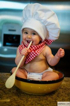future chef ツ Kinder Fotoshooting Ideen - Portrait - So Cute Baby, Cool Baby, Diy Halloween Baby, Baby Halloween Costumes, Baby Costumes, Halloween Outfits, Funny Baby Photos, Monthly Baby Photos, Cute Baby Pictures