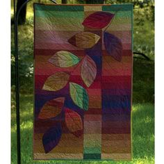 If I were limited to quilt only with batiks, I think I'd be okay with that. Also -- this pattern looks REALLY easy! >> Strip quilt - good for batiks
