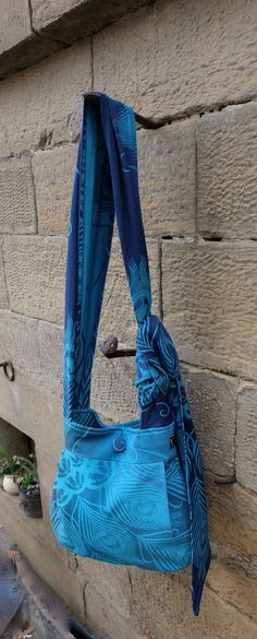 One of My Latest projects. MoesDesign Slingbag, made from Oscha Hera Arctic!