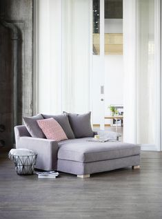 Fogia Morris Low loveseat