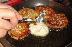 Las deliciosas y sencillas Tortias de Elote son un pequeño manjar al paladar y es un antojito muy Salvadoreño. Y esta es la receta para disfrutarlas en casa.