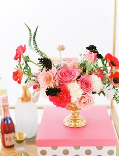 Bright + Beautiful Party Inspiration (The Perfect Palette) Pink Gold Party, Pink And Gold, My Flower, Flower Power, Flower Room, Flower Center, Wedding Blog, Wedding Styles, Wedding News