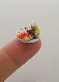 35 Mind Blowing Miniature Food Sculptures by Shay Aaron. Follow us www.pinterest.com/webneel/funny-neel-com