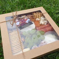 Picnic for two!  #thatgrazinglife #grazingboxesmelbourne #picnic #grazingboxes #grazingtables #grazingtablesandcheeseboards #cheeseboard #cheeseplatters #melbourne #fridaymood #suportlocal #supportsmallbusiness