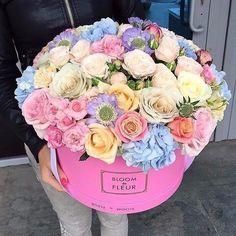 Поиск новостей по запросу #цветывкоробке