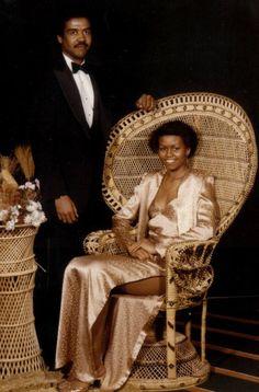 "Michelle Obama Shows Off Her Prom Dress On""Ellen"""