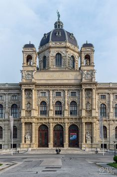 Naturhistorisches Museum Wien by PhotoArtChris / 500px Historical Architecture, Amazing Architecture, Naturhistorisches Museum Wien, Places Ive Been, Places To Visit, Kunsthistorisches Museum, Heart Of Europe, Travel Log, World Cities