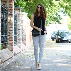 Curls and Bags: Outfit: Black n white