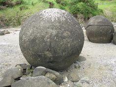 Koutu Boulders, Hokianga Harbour NZ. Concretions