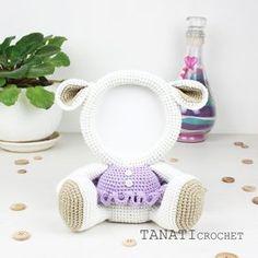 "410 Me gusta, 5 comentarios - Tatiana (@tanaticrochet) en Instagram: ""Photo Frame LAMB. #amigurumi #crochet #crocheted #crocheting #crochetlove #crochetaddict…"""