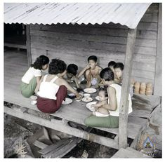 Thai Restaurant, Thai Art, Conceptual Photography, Family Pictures, Old Photos, Bangkok, 1950s, Old Things, Vintage Fashion