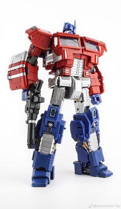 Generation Toy - GT-03 - IDW - OP EX (IDW Optimus Prime)