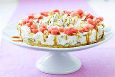 Aura sinihomejuusto-hedelmä kakku