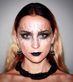 20 Cool Halloween Makeup Ideas | Vampire / Witch makeup