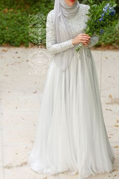 Abaya, islamic wedding dress, muslim wedding dress, Dubai style abaya, maxi floral dress, modest wear, islamic clothing, hijab and more at www.annahariri.com