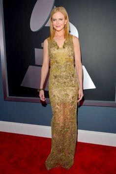 Nicole Kidman in gold lace Vera Wang #Grammys