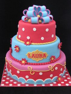 What a beautiful fondant cake. Full of color.