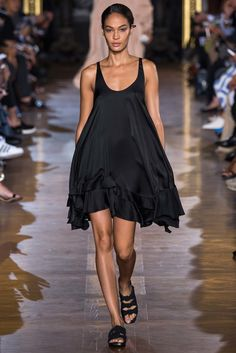 Stella McCartney Spring 2015 Ready-to-Wear Fashion Show - Joan Smalls (IMG)