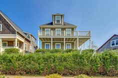 This gorgeous, spacious, and upscale Lincoln City vacation rental has it all…